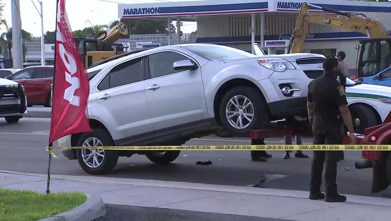 miami gardens child falls out of suv wsvn