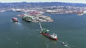SkyFOX: Giant 300-foot crane arrives to the Port of Oakland