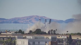 Firefighters contain 3-alarm blaze at Oakland recycling facility