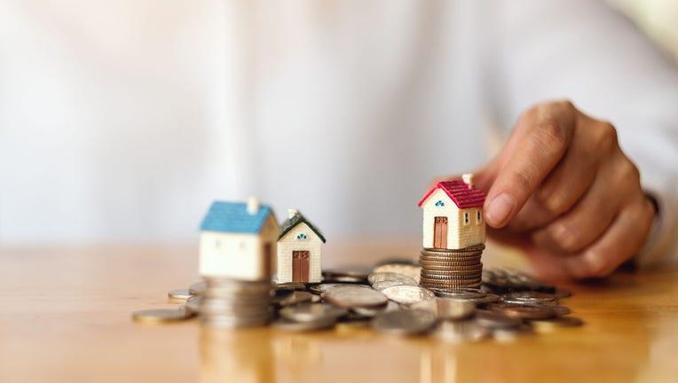 Credible-mortgage-refinance-iStock-1221541561.jpg