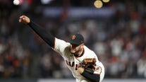 Giants clinch playoff spot, thump Padres 9-1 for 8th in row