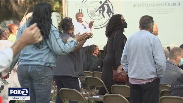 Community prays at Oakland hits grim milestone of 102 homicides