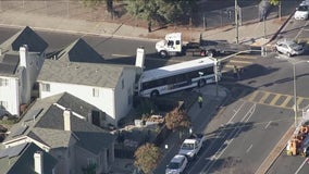 Stolen vehicle pursuit ends with AC Transit bus crashing into Oakland home