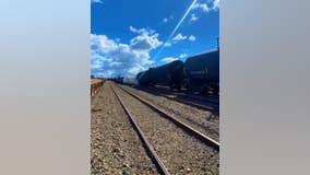 Train carrying corrosive acid derails at Port of Oakland