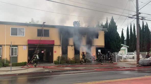 5 displaced by kitchen fire in East Oakland apartment