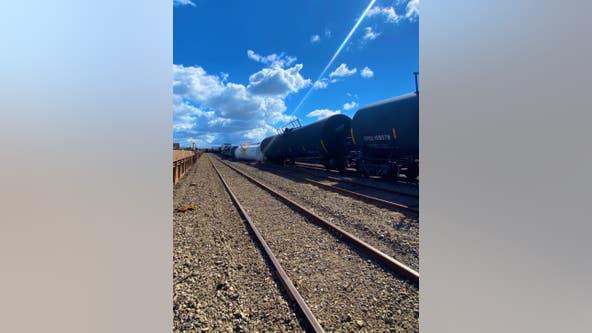 Trains carrying hazardous materials derail in Oakland