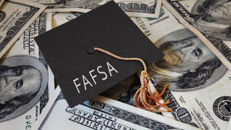 Credible-FAFSA-application-iStock-1319268963.jpg