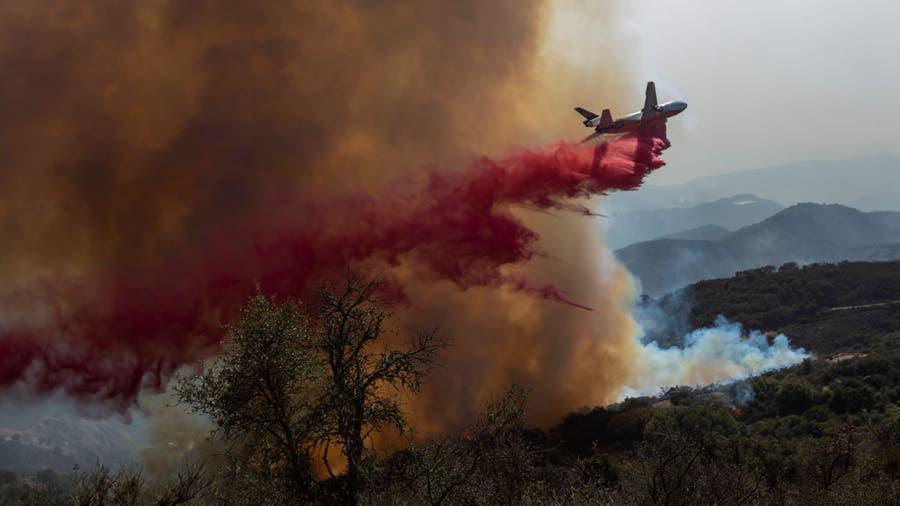 Firefighters make progress coralling Santa Barbara wildfire