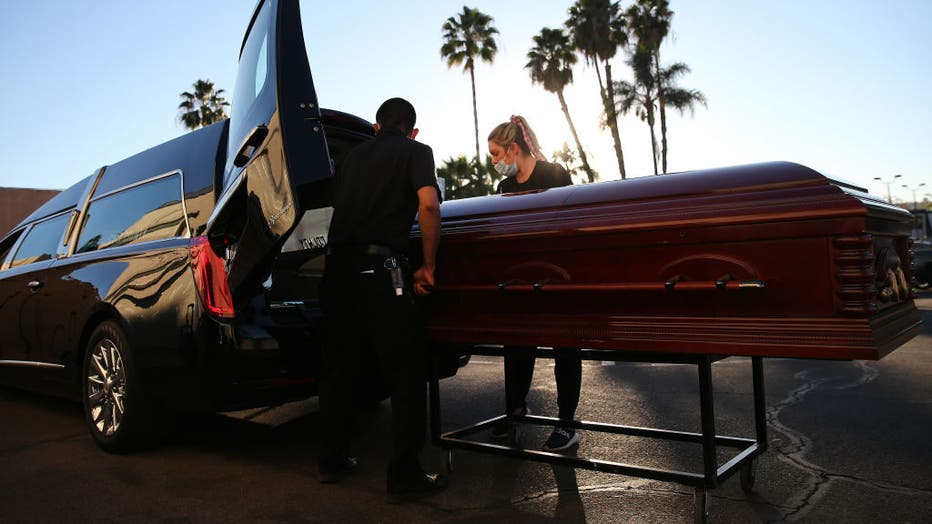 12eaba17-Southern California Funeral Home Works Through Worsening COVID-19 Surge