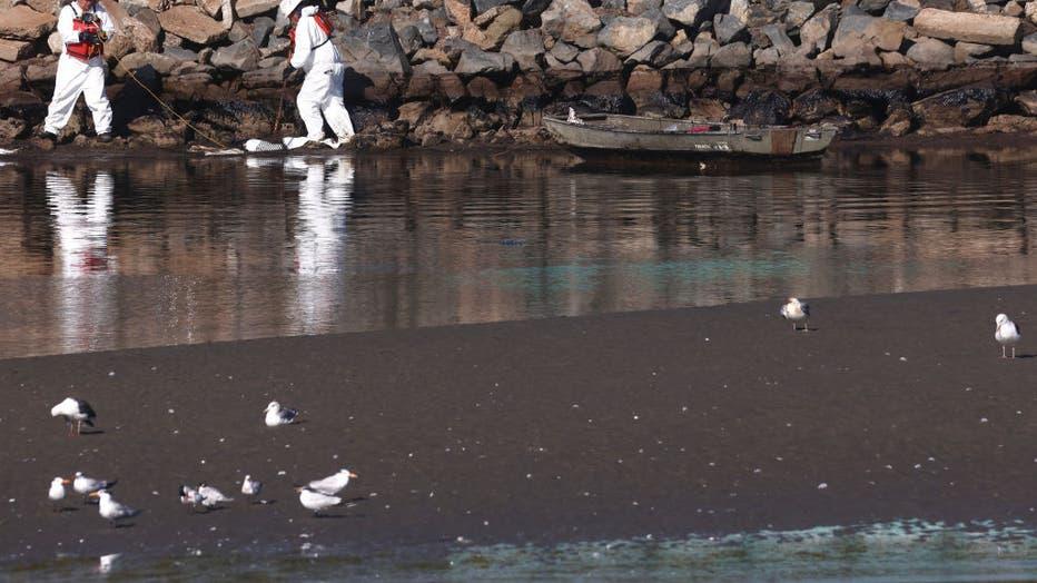 5299c4a4-Major Oil Spill Fouls Southern California Beaches