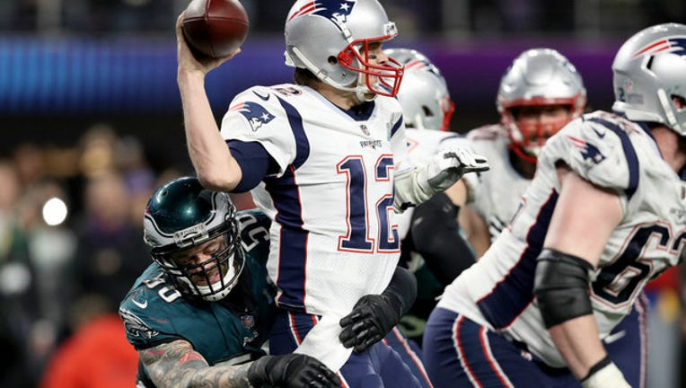 b537370c-GETTY-super-bowl-patriots-eagles_1517832471759-404023.jpg