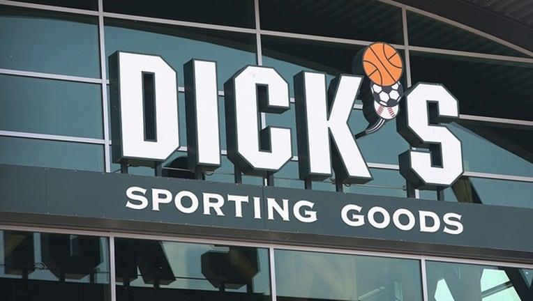 286b7beb-GETTY dicks sporting goods-402429