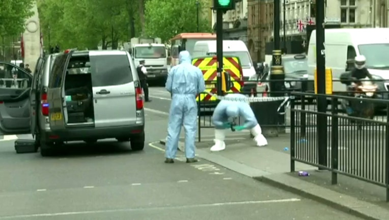 8bb68278-Man Arrested with Knives Near Parliament-402970