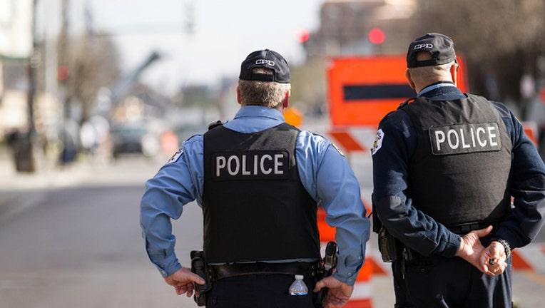 1932efb7-chicago-police-officers_1467991786420-404023.jpg