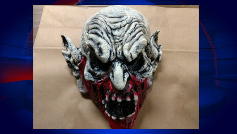 93e0d34a-holly-hill-clown-mask-attack_1527450364230-402429.jpg