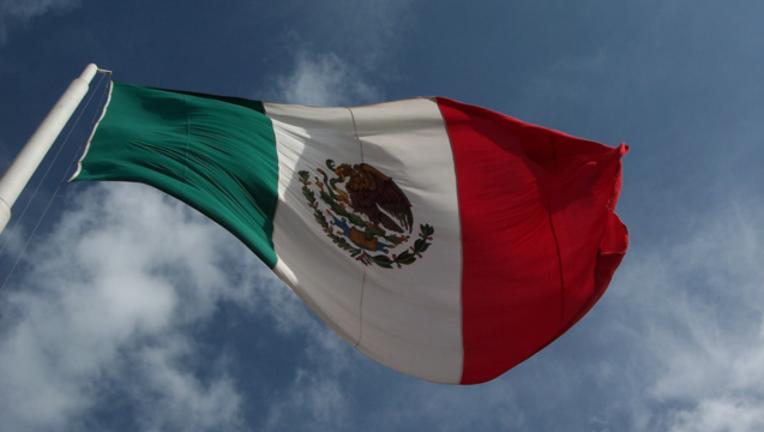 683e9969-mexico-flag_1491416814673-404023-404023.png