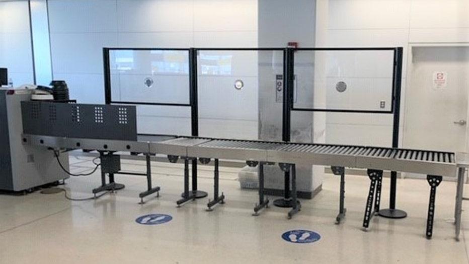 TSA-EWR-acrylic-shields.jpg