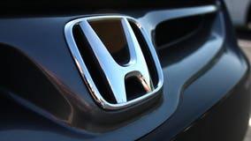 Honda recalls minivan over sliding door problem