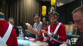 'Nutcracker' kids knit hats for young patients at Seattle Children's Hospital