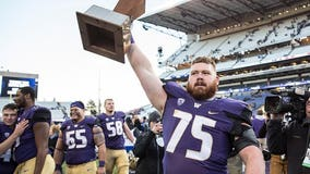 Huskies romp over No. 20 Cougs, 45-10, in Apple Cup