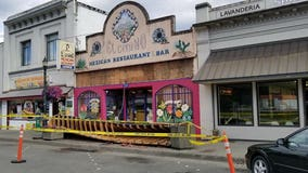 Awning collapses; injures 2 in Burlington