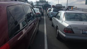 WSDOT  says holiday traffic will remain congested through Saturday