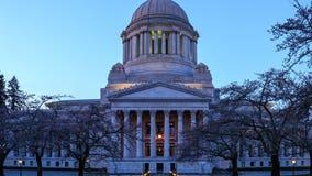 Washington population tops 7.6 million