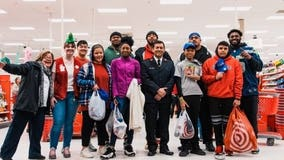 Seahawks rookie L.J. Collier goes shopping with children for the holidays