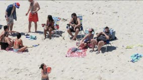 New Jersey Gov. Christie defends use of beach closed to public