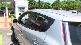 Electric car thwarts would-be carjackers 'It doesn't have a key, it's a smart car'