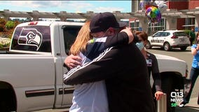 COVID-19 survivor leaves Tacoma hospital to cheers, applause