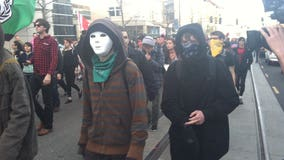 Washington lawmaker introduces bill to ban wearing masks in public