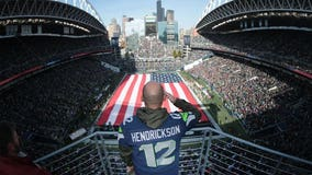 Seahawks lift Green Beret to return to battlefield, he repays the gift