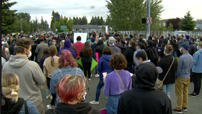 Hundreds gather at vigil for man who died while restrained by Tacoma Police