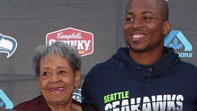 Seahawks star receiver Tyler Lockett shares special bond with great grandma: 'She helped take care of me'