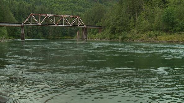 Medical examiner identifies 2 men who drowned in Skykomish River near Gold Bar