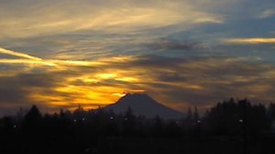 RainierSunrise
