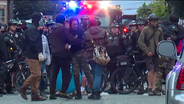 More than 30 arrested as Seattle cops start clearing CHOP zone