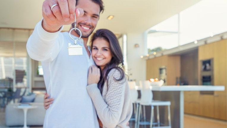 Credible-buy-sell-home-pandemic-iStock-1016961494.jpg