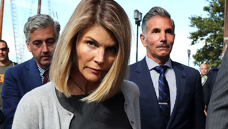 516a9203-Lori Loughlin, Mossimo Giannulli Appear In Boston Courthouse