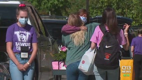 Thousands of students at University of Washington move back to campus for fall semester