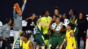 Jewell Loyd hits 3-pointer at buzzer, Seattle Storm top Sparks 90-89