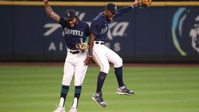 Seattle Mariners win 6th straight, sweep Rangers with 8-4 victory