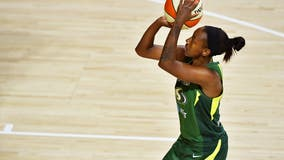 Jewell Loyd scores 20 points, Storm beat Lynx for 2-0 series lead