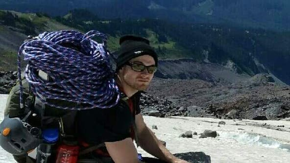 1 hiker dies, 1 rescued near Camp Muir on Mount Rainier