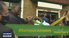 Sonics legend Shawn Kemp opens pot shop in Seattle