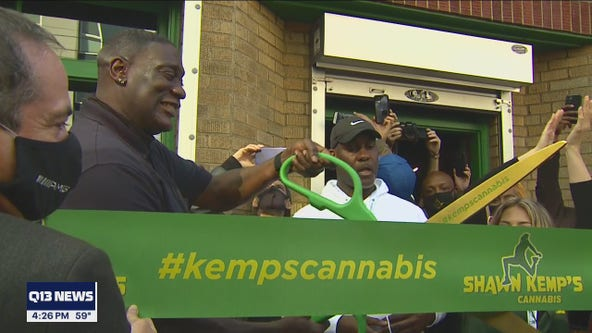 Sonics legend Shawn Kemp opens pot shop in Seattle