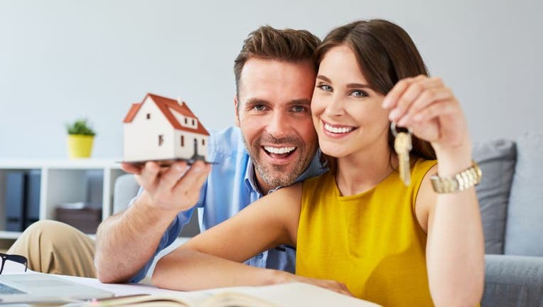 Credible-refinance-mortgage-before-fees-iStock-964216260.jpg