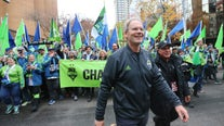 Sounders FC, head coach Brian Schmetzer agree to multi-year contract extension