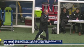 Sounders sign coach Brian Schmetzer to multiyear extension